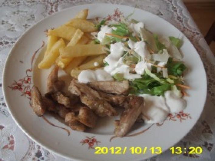 Csirke Gyros tál