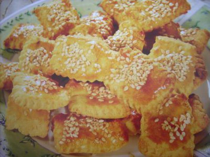 Ropogós sajtos lapok