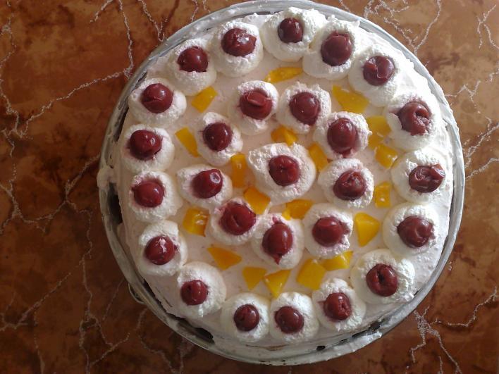 Gyümölcsös, joghurtos torta