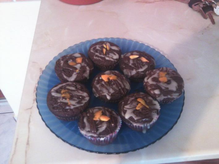 Csokis muffin, narancsos-csokis bevonattal