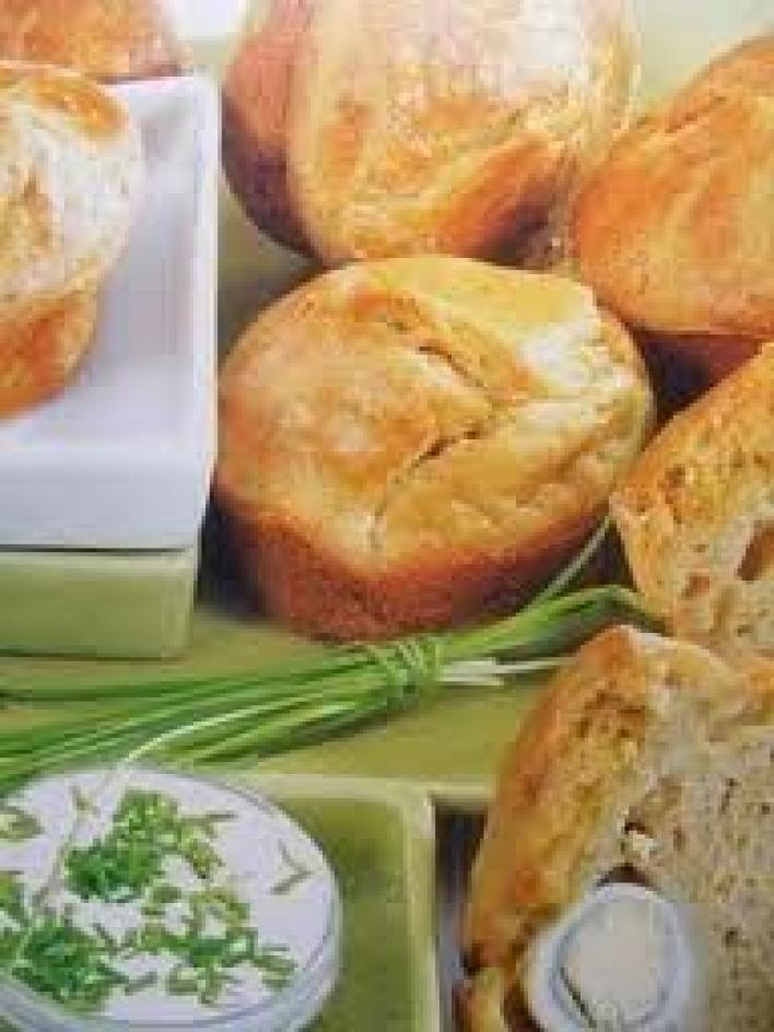 Krumplis, tejfölös muffinpogácsa