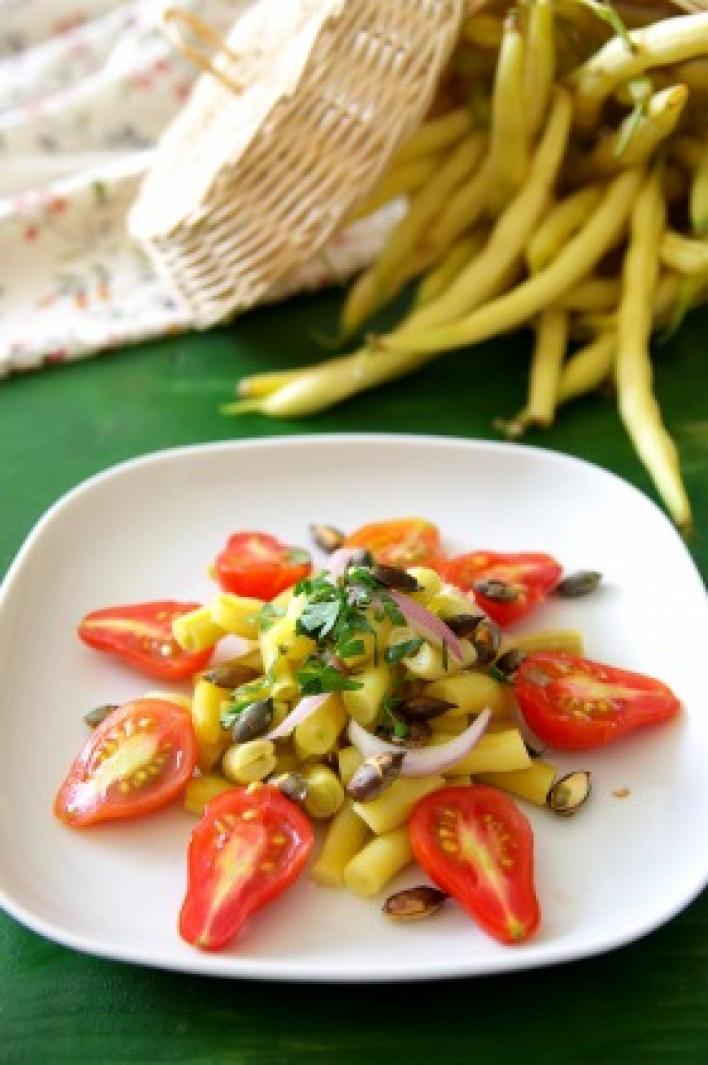 Mustáros-tökmagos zöldbabsaláta