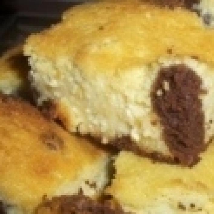 Kukucskálós túrós süti