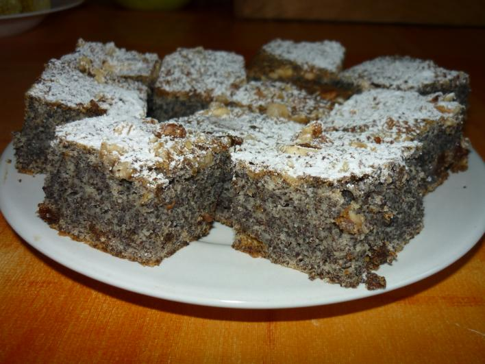 Tejfelös-mákos torta