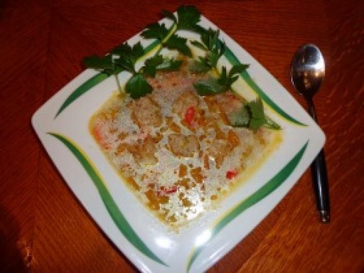 Thai húsgombócos zöldségleves