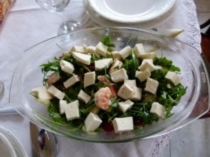 Ruccolás tigrisrák saláta