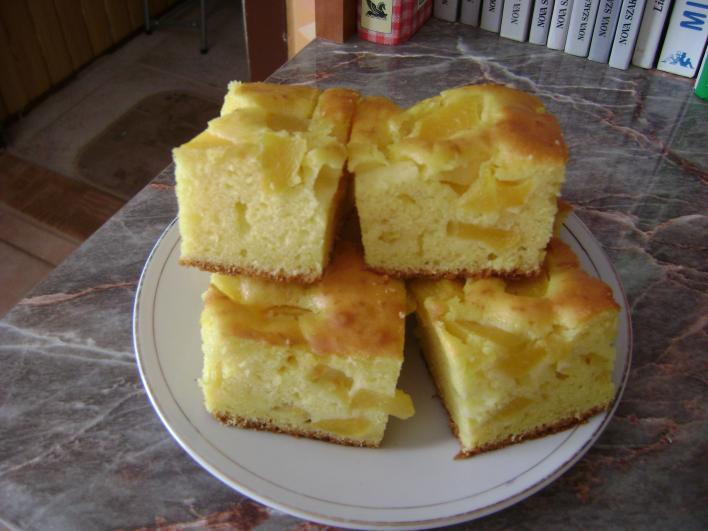 Barackjoghurtos sütemény