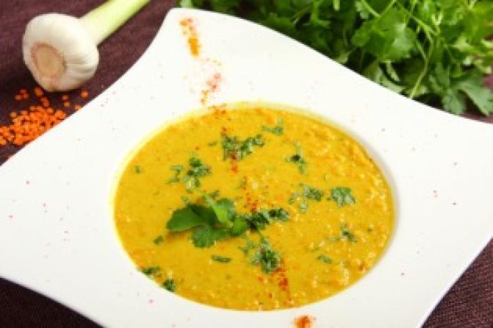 Kókuszos vöröslencse leves