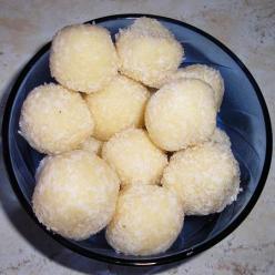 Kókuszgolyó házilag, sütés nékül