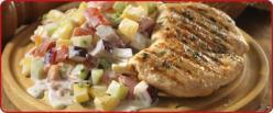 Fűszeres pulyka steak grillezve, ropogós nyári zöldsalátával