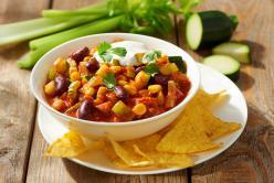 Chili con carne nyári zöldségekkel