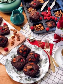 Szuperdiétás Málnás Brownie - Görbe Pali konyhájból