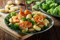 Gnocchi brokkolival és rákkal