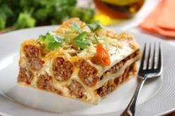 Canelloni chilis bolognai raguval töltve
