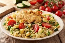 Kuszkusz saláta pirított csirkemellel