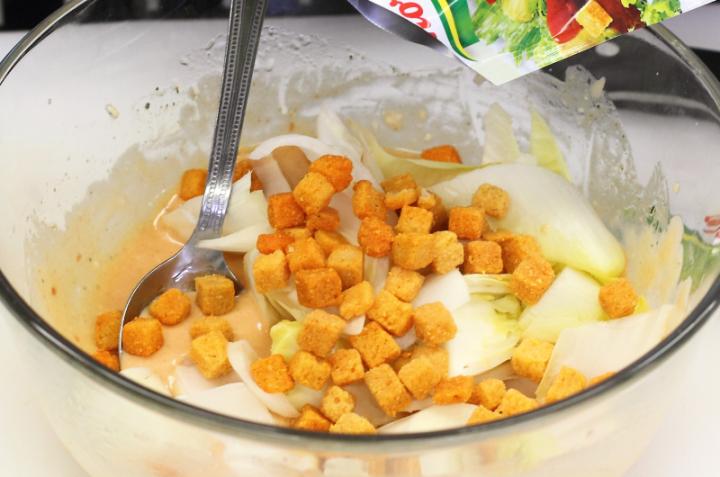 Cikória saláta kivivel elkészítés 1. lépés képe