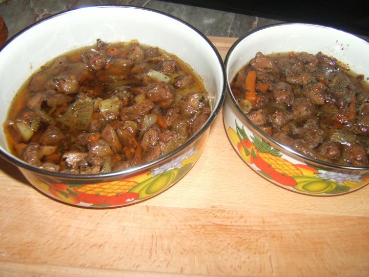 Sült csirkemáj zöldséges kacsazsírban elkészítés 3. lépés képe