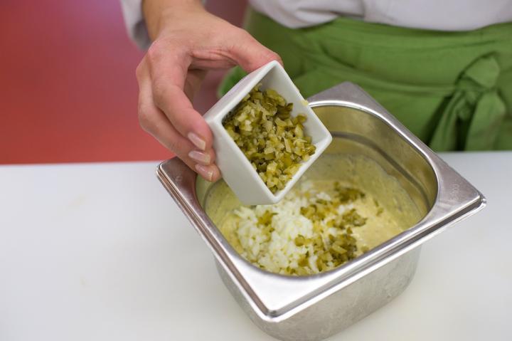 Currys-tojásos mártogatós elkészítés 4. lépés képe