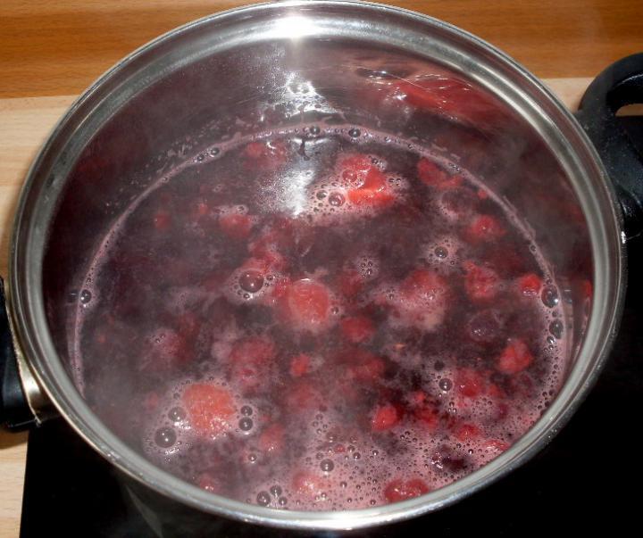 Erdei gyümölcsleves elkészítés 1. lépés képe