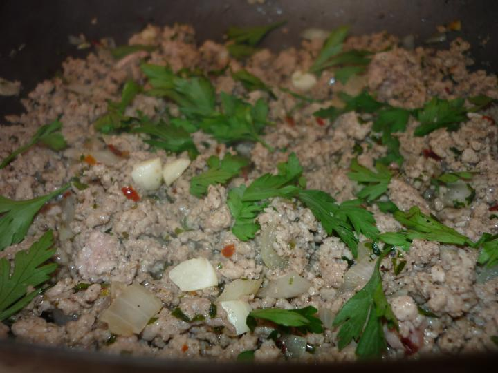 Húsos tepsis krumpli elkészítés 1. lépés képe