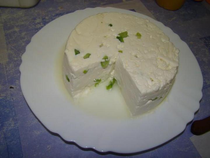 Házi hagymás sajt elkészítés 3. lépés képe