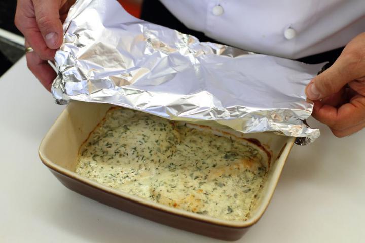 Fűszeres csirkemell joghurtos szószban elkészítés 4. lépés képe