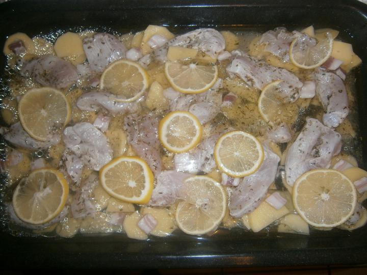 Citromos csirke burgonyával elkészítés 2. lépés képe