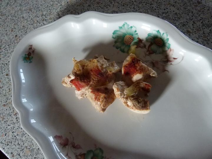 Borsócsírás csirkés saláta elkészítés 3. lépés képe