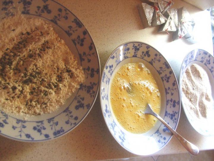 Fűszeres rántott sajt elkészítés 1. lépés képe