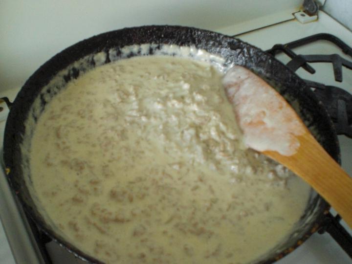 Csőben sült húsos tészta elkészítés 2. lépés képe