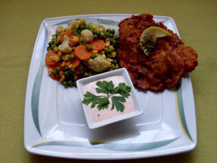 Csirkemell magvas bundában fűszervajas zöldkörettel és pikáns öntettel elkészítés 6. lépés képe