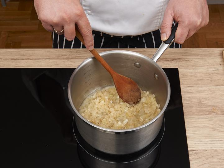 Tarhonyás hús elkészítés 1. lépés képe