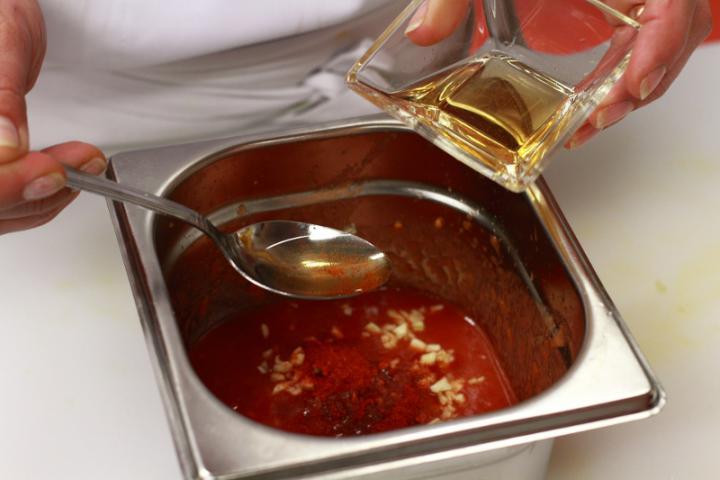 Paradicsomos salsa elkészítés 4. lépés képe