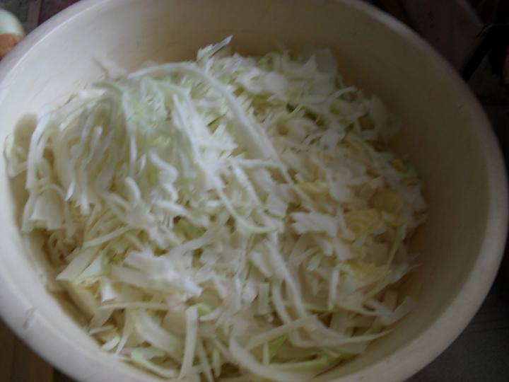 Káposzta saláta elkészítés 2. lépés képe