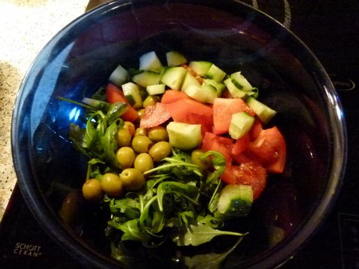 Baconbe tekert majorannás máj citromos ruccola salátával elkészítés 5. lépés képe