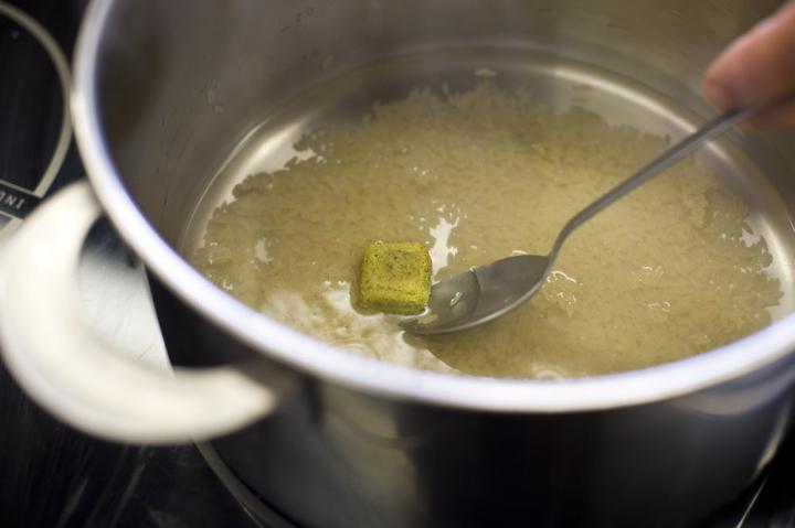 Sült rizs garnélával elkészítés 1. lépés képe