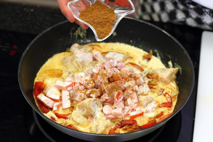 Joghurtos csirke curry elkészítés 4. lépés képe