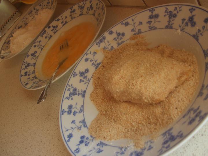 Csirke Cordon Bleu elkészítés 3. lépés képe