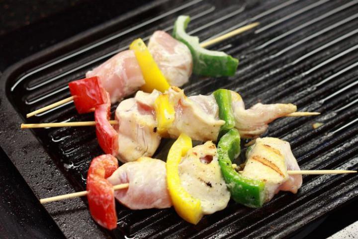 Csirkesaslik fokhagymás joghurtban pácolva elkészítés 4. lépés képe