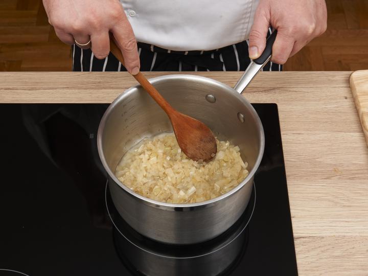 Rizses hús elkészítés 1. lépés képe