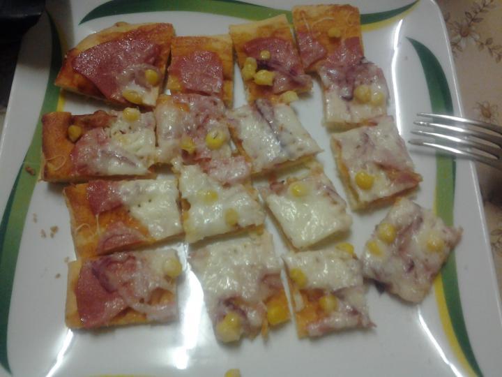 Pizza otthon könnyedén elkészítés 14. lépés képe