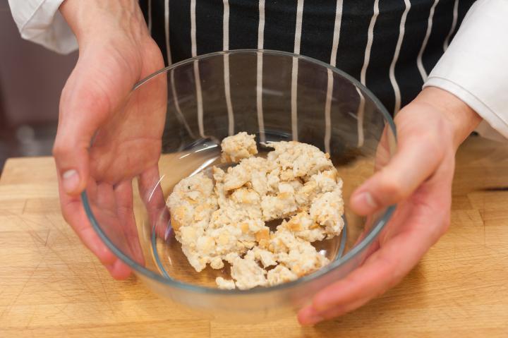 Gombával és sajttal töltött fasírtok elkészítés 3. lépés képe