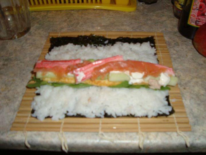 Monster Sushi - Óriás Philadelphia tekercs elkészítés 3. lépés képe