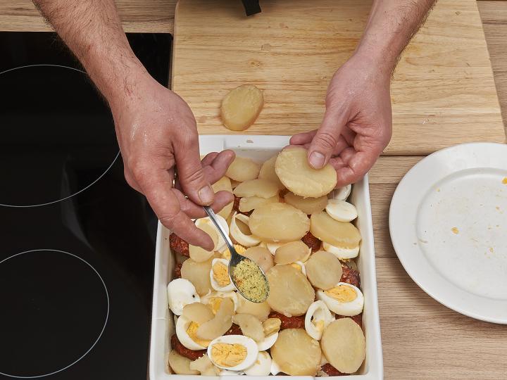 Rakott krumpli elkészítés 6. lépés képe