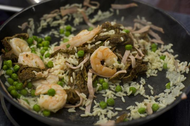 Sült rizs garnélával elkészítés 5. lépés képe