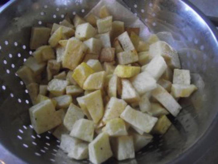 Pulyka brassói zöldborsóval elkészítés 5. lépés képe
