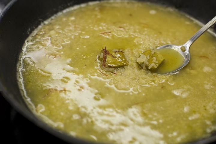 Csirkés paella elkészítés 3. lépés képe