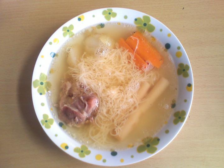 Pulykaapróhús leves cérnametélttel elkészítés 6. lépés képe