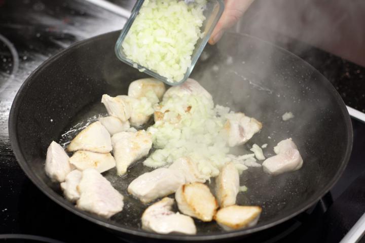 Spenótos csirkemell elkészítés 1. lépés képe