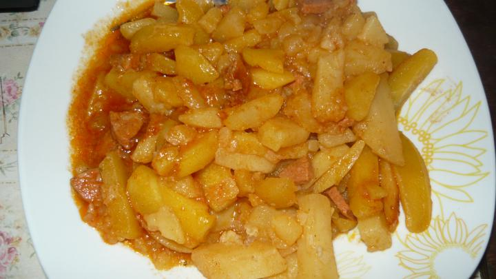 Paprikás krumpli egyszerűen elkészítés 4. lépés képe